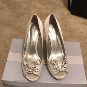 silver-white wedding shoes with box